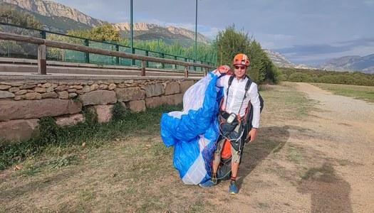 Àger acull aquest cap de setmana el campionat de parapent Hike&Fly amb la participació de 25 esportistes