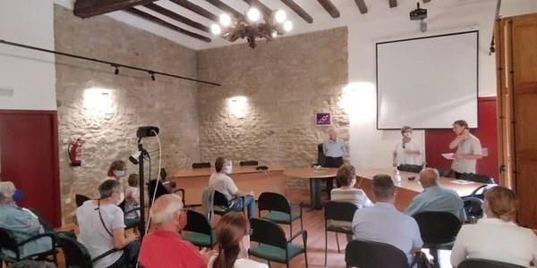 Presentació del llibre, al consistori d'Àger.