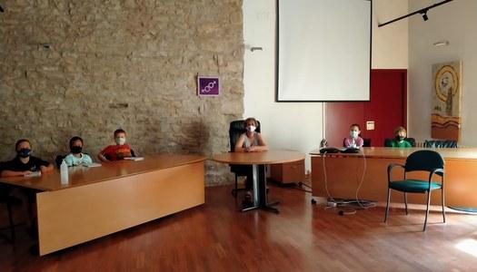 Els alumnes de l'Escola Andreu Farran d'Àger visiten l'Ajuntament per conèixer-ne el funcionament