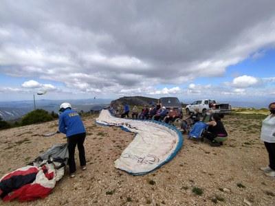 Usuaris de la residència a la serralada del Montsec.